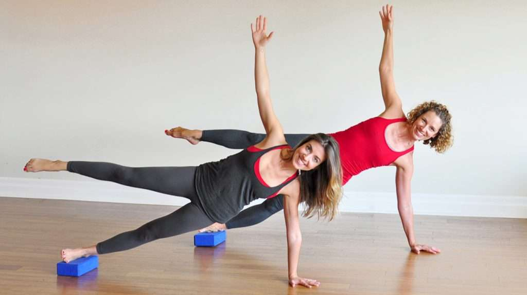 Side plank with yoga brick-ST